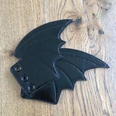 bat-shoe-wings