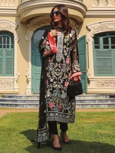 Endearing black embroidery straight cut suit online which is crafted from chiffon fabric with exclusive embroidery. This stunning designer straight cut suit comes with raw silk bottom and chiffon dupatta. Women's A Line Dresses, Gowns Online, Straight Cut, Chiffon Fabric, Evening Gowns, Wedding Gowns, Kids Outfits, Kimono Top, Embroidery