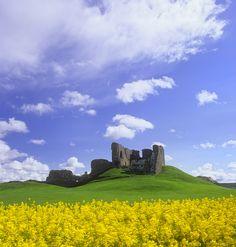 Sunshine Castle : Duffus Castle, Moray, Scotland : Photography of Ian Cameron Loch Ness Scotland, Scotland Castles, Scottish Castles, Isle Of Iona, Inverness, Places Of Interest, Scotland Travel, British Isles, Vacation Spots