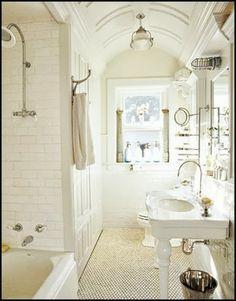 Fabulous Vintage Bathroom | Content in a Cottage
