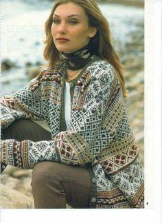 like how scarf is tied Fair Isle Knitting Patterns, Fair Isle Pattern, Knitting Stitches, Knit Patterns, Hand Knitting, Norwegian Knitting, Knit Cardigan, Knitwear, Knit Crochet