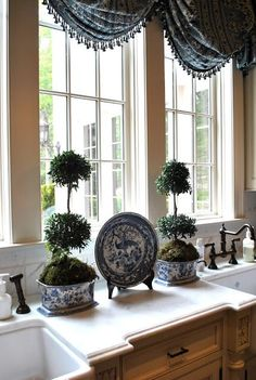 The Enchanted Home: 09 June blue and white French Decor, French Country Decorating, Country French, French Style, Beautiful Kitchens, Beautiful Homes, Home Interior, Interior Design, Enchanted Home