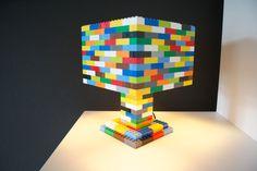 Farbenfröhliche Lego-Lampe von Lesign // colorful handmade Lego lamps by Lesign