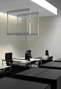 Kreon, showroom in Antwerp with the Cadre pendant lighting fixture _