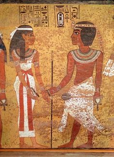 Top 10 fashion innovations from history - Egyptian collars: Tutankhamun (c.1370-1352 BC) and his wife, Ankhesenamun, from his tomb, New Kingdom (painted limestone), 18th Dynasty / Valley of the Kings, Thebes, Egypt / Giraudon