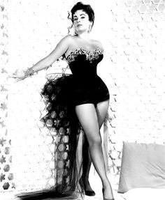"""Elizabeth Taylor """"The Last Time I Saw Paris"""" (1954)."""