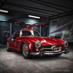 Mercedes Benz #300SL #Gullwing / Pic via instagram (varganator) #300SLRestorations #BruceAdams190SL