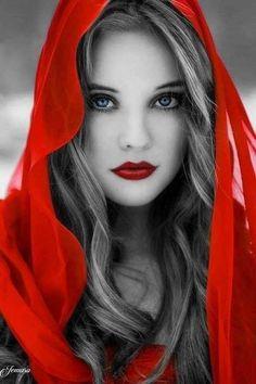 Red and Women & Red Lips Splash Photography, Color Photography, Portrait Photography, Color Splash, Color Pop, Beautiful Lips, Beautiful Images, Black Image, Jolie Photo