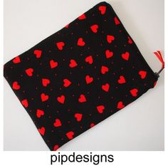 """Red Hearts on Black Zipped Kindle Fire 7"""" HD Nexus 7 Tablet Case Cover"""