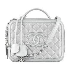 grained calfskin calfskin ❤ liked on Polyvore featuring bags, handbags, chanel, beige handbags, hand bags, beige bag, purse bag and handbags purses