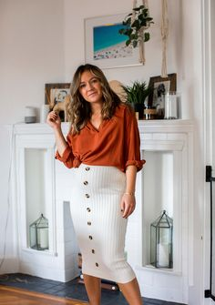 Pregnancy maternity bump style, style the bump trimester body con skirt Maternity Work Clothes, Cute Maternity Outfits, Fall Maternity, Stylish Maternity, Maternity Dresses, Maternity Styles, Spring Maternity Fashion, Maternity Looks, Maternity Swimwear