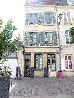 Autre lieu magique de ma belle ville de Caen : le salon de thé Les Petites Douceurs où l'on peut manger sucré ou salé dans une décoration cosy