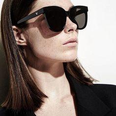 #inscarlet (#인스칼렛) sunglasses collection from 2017 #gentlemonster #Flatba series, photographer @chahyekyung