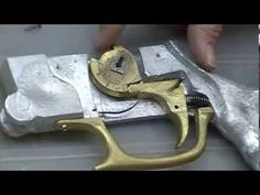Gatilho balestra, crossbow trigger, besta, ballesta. homemade - YouTube