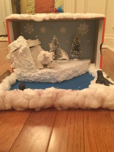 Polar bear diorama More Polar bear diorama Arctic Habitat, Bear Habitat, Spring Crafts For Kids, Art For Kids, Shoe Box Diorama, Diorama Shoebox, Diorama Ideas, School Projects, Projects For Kids