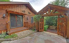 VRBO.com #668843 - This Remarkable Cabin is Not Your Cookie-Cutter Cabin- Simply a Perfect Getaway!