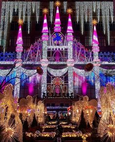 Tonight's the night! 🤩 Who wants to go see the holiday window display at Saks? Next to Rockefeller Center🎄📷 New York City Christmas, Merry Christmas Eve, Christmas Time, New York Bucket List, Hotel Pennsylvania, A New York Minute, Twas The Night, I Love Ny, The Night Before Christmas