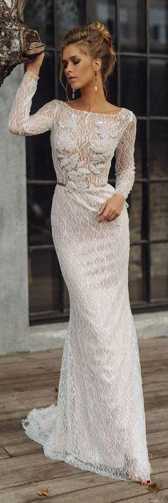 Wedding dress 'LEONI' // Sexy wedding dress, luxury bridal gown, mermaid wedding dress, glittering, shiny, sparkling wedding dress #weddingdress