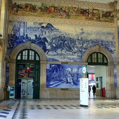The Sao Bento #trainstation is one of the most unique stations in the world. With its #Azulejos it is a wonderful place to walk around and watch the pictures which show different events in portuguese history. #wanderlust #Porto #Ribeira #traveling #travel #follow4follow #trains #oldtown #douro by travel_socialist