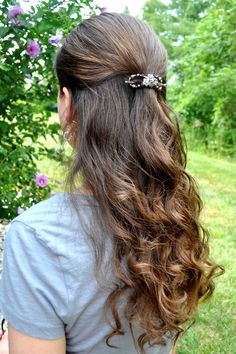 Half Up with Extra Small Flexi Clip http://www.lillarose.biz/forhisglory/
