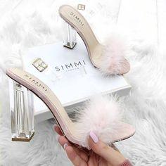 Newest Sexy Clear Gladiator Sandals Woman Peep Toe PVC Transparent Fur Leather Buckle Strap High Heel Shoes Sandals For Women Fancy Shoes, Pretty Shoes, Me Too Shoes, Pink Shoes, Prom Heels, Shoes Heels, Fluffy Shoes, Simmi Shoes, Nagellack Design