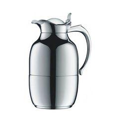 """Design made in Germany: Isolierkanne """"Helena"""" von Alfi haben Sie bestimmt schon auf der ein oder anderen Kaffeetafel gesehen. Den Klassiker gibt es in Chrom, Silber oder Aluminium und in verschiedenen Farbvarianten. Über Alfi, um 80 Euro."""
