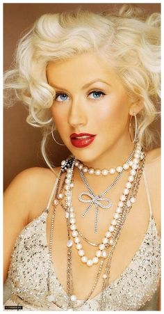 Name: Christina Aguilera Born: December 1980 (age Residence: US Other names:Xtina Occupation: Actress, Singer, Song writter. Christina Aguilera, Film Casting, Divas, Beautiful People, Beautiful Women, Culture Pop, Platinum Blonde, Female Singers, Up Girl
