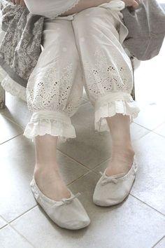 pakistani pants design for kurti Pakistani Fashion Casual, Pakistani Dresses Casual, Pakistani Dress Design, Indian Fashion Dresses, Indian Gowns, Salwar Designs, Kurta Designs Women, Kurti Designs Party Wear, Stylish Dresses For Girls