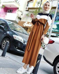 Fresh hijab outfit ideas Fresh hijab outfit ideas – Just Trendy Girls Modern Hijab Fashion, Street Hijab Fashion, Islamic Fashion, Muslim Fashion, Modest Fashion, Abaya Fashion, Fashion Outfits, Hijab Fashion Summer, Fashion Muslimah