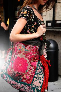 NYC #streetstyle vintage dress, #Etsy bag, necklace from #India