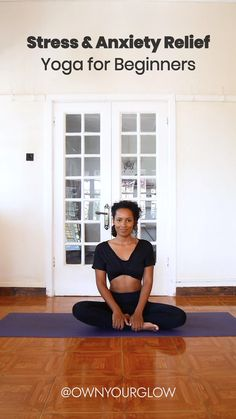 Our Body holds onto stress and anxiety, which can make our body feel tense and stiff. A beginner yoga routine like this can help you get rid of that very easily! Yoga Fitness, Fitness Workout For Women, Fitness Workouts, Yoga Bewegungen, Yoga Flow, Yoga Meditation, Meditation For Stress, Kundalini Yoga, Yin Yoga