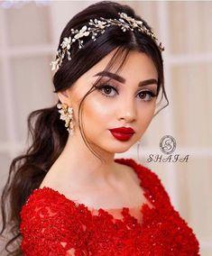 "Instagram'da Shafa Studio: ""Sac @shafaqnovruz Makiyaj @ayanshafag ❤️"" Doll Eye Makeup, Beauty Makeup, Hair Makeup, Hair Beauty, Wedding Hairstyles For Women, Hair Upstyles, Princess Wedding Dresses, Bridal Hair Accessories, Ponytail Hairstyles"