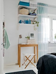 Charming Scandinavian Apartment Deco Wooden Desk Design