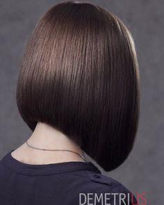 66 Chic Short Bob Hairstyles & Haircuts for Women in 2019 - Hairstyles Trends Medium Hair Styles, Short Hair Styles, Blunt Haircut, Hair Cutting Techniques, Wavy Bob Hairstyles, Short Hair With Bangs, Pinterest Hair, Trending Haircuts, Brunette Hair