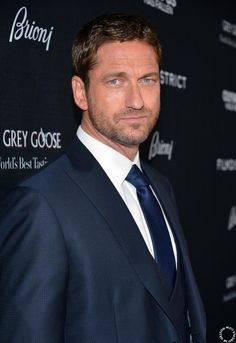 HQ Gerard Butler at premiere of #OlympusHasFallen in L.A.