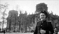 Jewgeni Chaldej vor dem Reichstag, 1945, Foto: privat