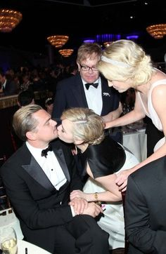 Circle of Friends Kate Winslet kissed Leonardo DiCaprio while Charlize Theron and Elton John looked on. Leonardo Dicaprio Kate Winslet, Leonardo And Kate, Kate Winslet And Leonardo, Leonardo Dicaprio Girlfriend, Young Leonardo Dicaprio, Leo And Kate, Friendship Pictures, Jack Dawson, Titanic Movie