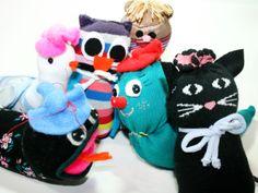 Varios de los muñecos que hacen las chicas en el taller!!