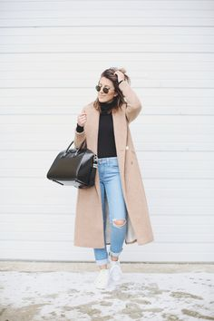 buy popular f9cc9 62890 Stephanie Sterjovski - Keeping it chill with some high waisted denim and  kicks in today s look. I love these adidas Stan Smiths (especially for  travel).