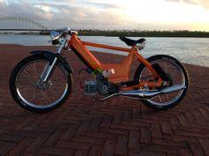 Maxi N Cool Mopeds * Custom Mopeds * Shit-hot Mopeds