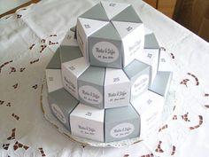 Hochzeitstorte weiß oder Wunschfarbe mit Namen Geschenkboxen 30 tlg., Fotokarton