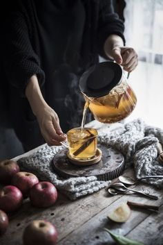 Food Styling, Chocolate Caliente, Dried Apples, Kitchen Witch, Herbal Tea, Tea Recipes, Kraut, High Tea, Afternoon Tea