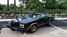 1977 Oldsmobile Cutlass 350 CI, Automatic presented as lot J76 at Kissimmee, FL 2015 - image1