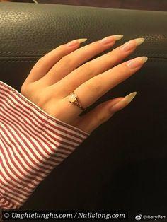 Make an original manicure for Valentine's Day - My Nails Summer Acrylic Nails, Cute Acrylic Nails, Cute Nails, Pretty Nails, Real Long Nails, Long Natural Nails, Natural Rings, Natural Nail Designs, Gel Nails At Home