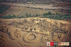 Edificio Piramidal Mayor, en la Ciudad Sagrada de Caral. Supe, Perú