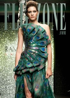 Syrian Haute Couture Fashion Designer Rami Al Ali - peacock Peacock Costume, Peacock Dress, Peacock Fabric, Peacock Feathers, Fashion Art, Fashion Show, Fashion Design, Fashion Trends, Couture Beading
