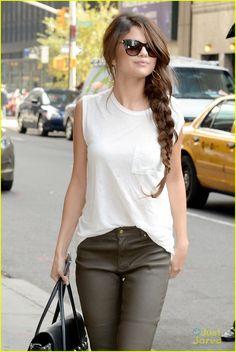 Selena Gomez: Casual 'Late Show' Arrival   selena gomez late show arrival 02 - Photo Gallery   Just Jared Jr.