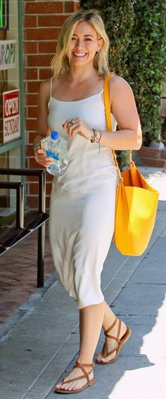 Hilary Duff at a nail salon in Beverly Hills (June 29th, 2014)