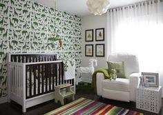 dcoration chambre bb blanche en papier peint animaux verts - Chambre Orange Et Blanche