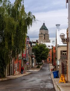 Quebec City ~ Via Lucie Gregoire Old Quebec, Montreal Quebec, Montreal Canada, Quebec City, A Far Off Place, Great Places, Places To Visit, Chute Montmorency, Chateau Frontenac